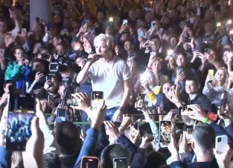 Диана Арбенина выступила в толпе зрителей на фестивале в Нижнем Новгороде