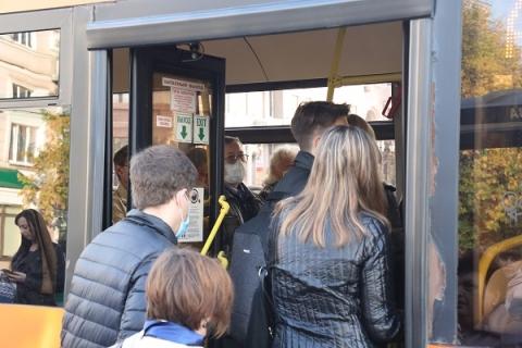 Соблюдение масочного режима проверяют в нижегородских автобусах