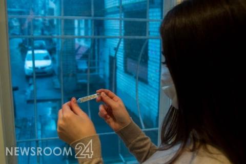 Нижегородских младшеклассников морозят на улице из-за коронавируса