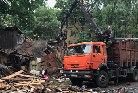 Центр Нижнего Новгорода освободят от ветхих сараев