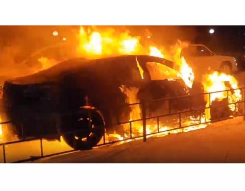 В Дзержинске сожгли автомобиль главного редактора местного издания