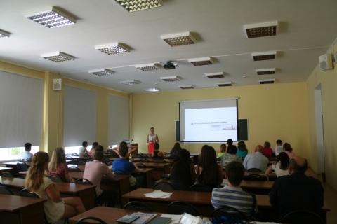 В Нижнем Новгороде раздули скандал из-за разутых студентов колледжа