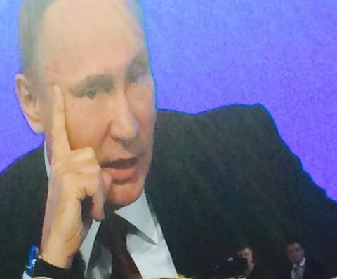 Песков объяснил отсутствие маски у Путина в Сарове