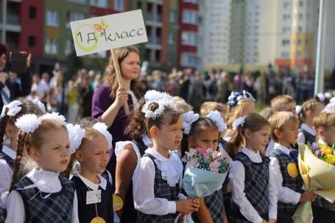 Нижегородцы в ЖК «Цветы» добились приема детей в новую школу