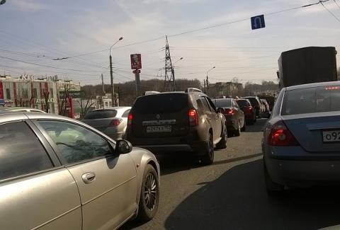 Огромная пробка образовалась на выезде из Нижнего Новгорода в сторону Ольгино 6 мая