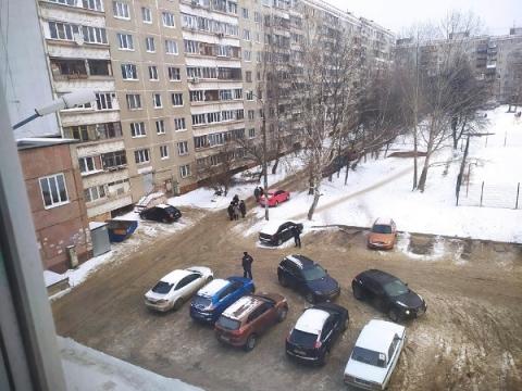 СК работает на месте гибели человека на Лопатина в Нижнем Новгороде