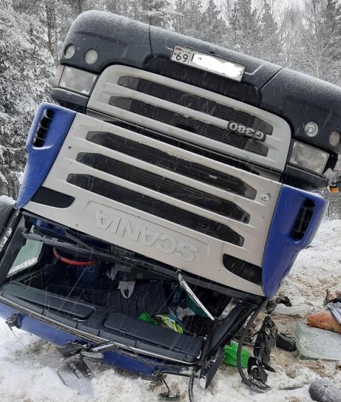 Тверская фура разбилась на трассе в Нижегородской области