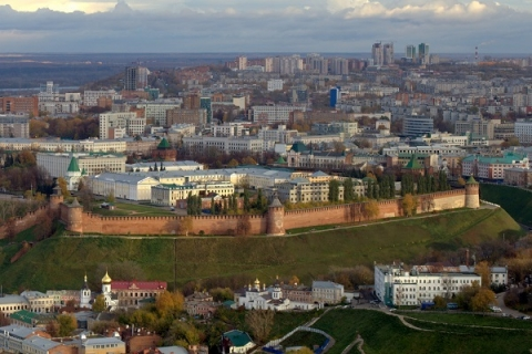 Неопознанное здание отправили под снос в Нижегородском кремле