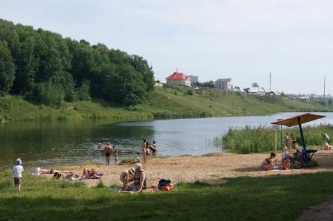 Нудисты устроили фестиваль на берегу Волги в Нижегородской области