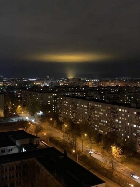 Нижегородцы ищут причину необычного свечения над городом