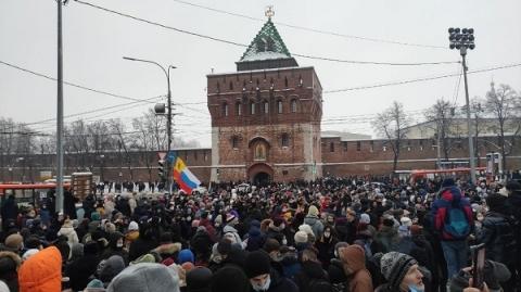 Более 2 тысяч нижегородцев вышли на площадь Минина 23 января
