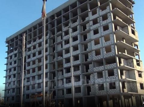 Достройка ЖК «Земляника» в Кстове возобновится в июне