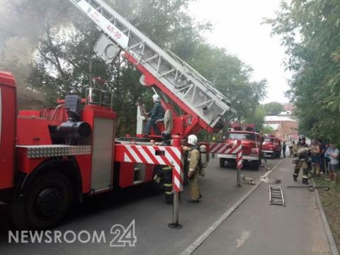 Склад на площади 800 кв.м горит в Сормовском районе