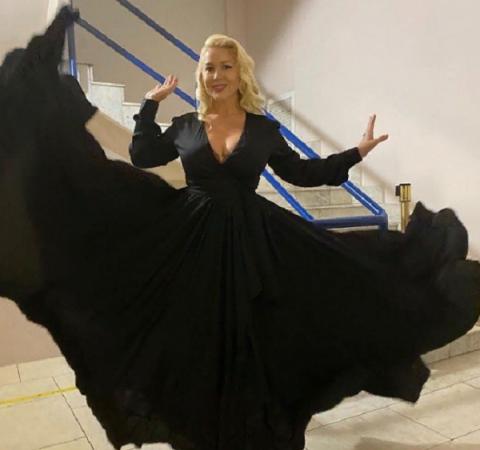 Екатерина Одинцова занялась рекламой унитазов