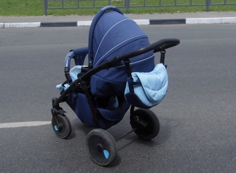 Полиция продолжает поиски родителей найденного в Автозаводе младенца
