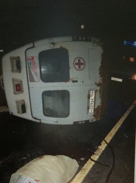 Семь человек пострадали в ДТП с двумя легковушками и скорой помощью в Нижегородской области