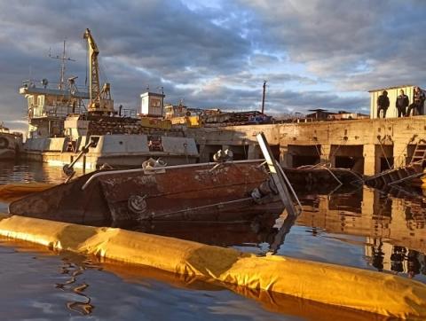 Владельца затонувшего буксира ищут в Городецком районе