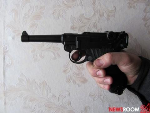 В центре Нижнего Новгорода мужчина убил жену и застрелился