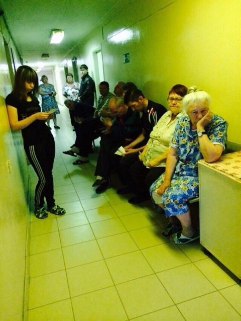 4-часовую очередь отстояли больные коронавирусом в Борской ЦРБ