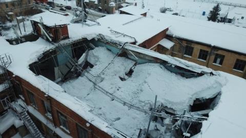 Обрушение крыши дома на Нижневолжской набережной сняли с квадрокоптера