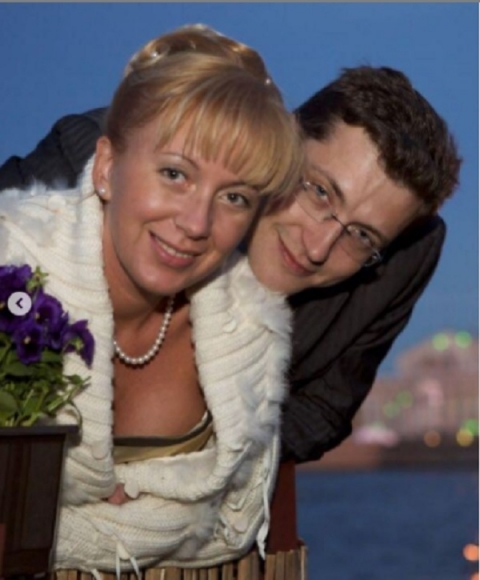 Никитин трогательно поздравил супругу с Днём рождения