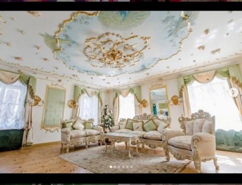 Волочкова показала роскошную квартиру в Санкт-Петербурге