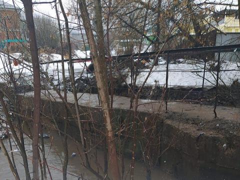 Затопленный мост через Старку в Нижнем Новгороде освободили от воды