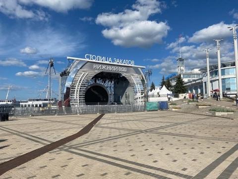 Нижневолжскую набережную закроют для транспорта 24 июля из-за фестиваля