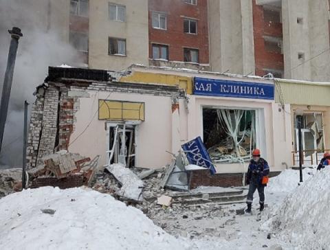Два человека находятся под завалами на месте взрыва газа в Нижнем Новгороде