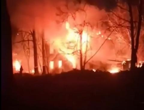 Дом под снос сгорел на Новосолдатской в Нижнем Новгороде 17 апреля