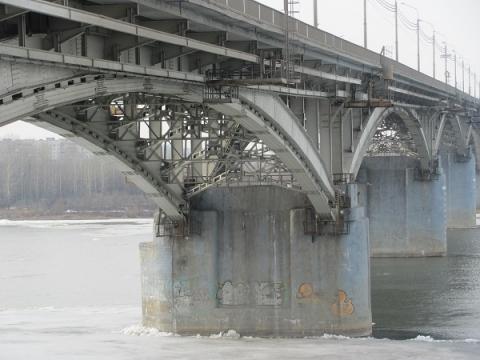 Тело упавшего с Канавинского моста подростка вытащили из воды