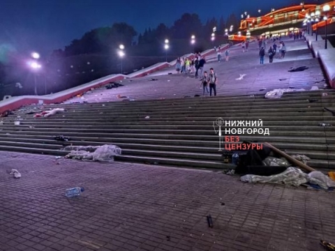 Замусоренную Чкаловскую лестницу открыли для посетителей в Нижнем Новгороде
