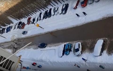 Проспект Ленина в Нижнем Новгороде затопило из-за прорыва коллектора