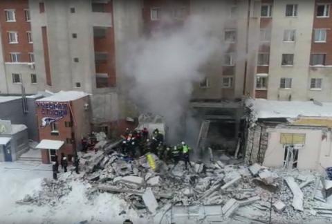 Около 300 человек ликвидируют последствия взрыва в Нижнем Новгороде