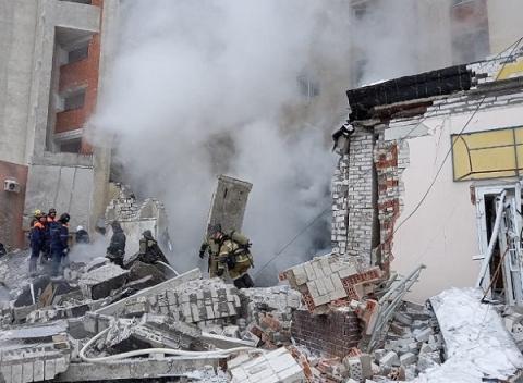 Появились фото с места взрыва газа на Мещерском бульваре в Нижнем Новгороде