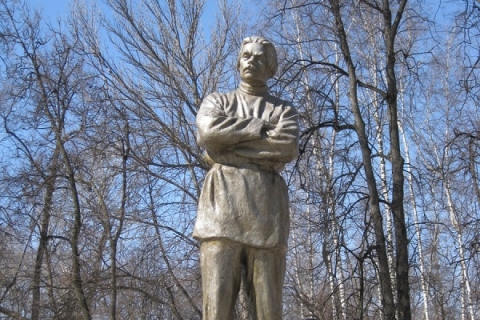 В Нижнем Новгороде расчленили исторический памятник Максиму Горькому